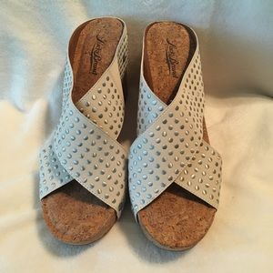 Lucky Brand cream wedges with silver studs